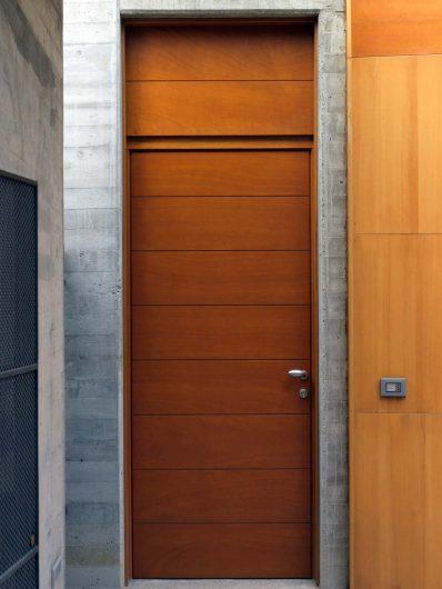 Entrance doors, image five