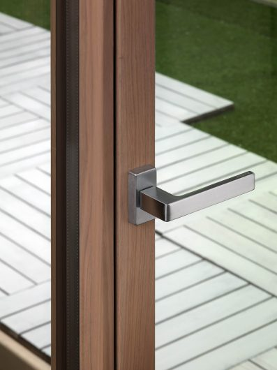 Linea Prestigio handle on a patio door