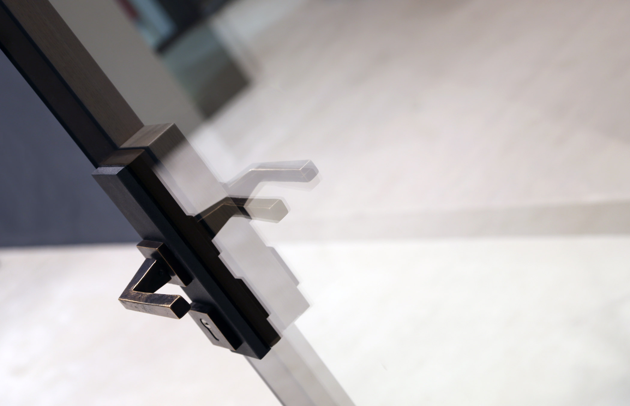 Cover image Windows Handles, detail of an internal and external handle Linea Vittoria