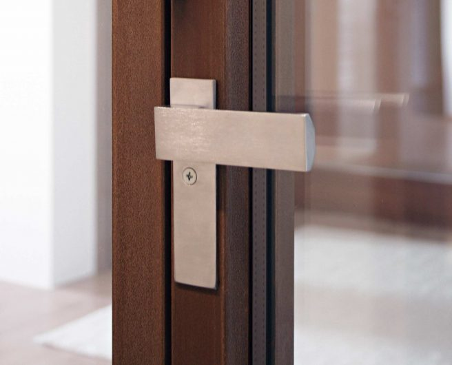 Detail of the internal handle installed on a bifold window