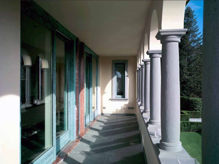 View of the external portico of Villa Bergamo with sliding doors