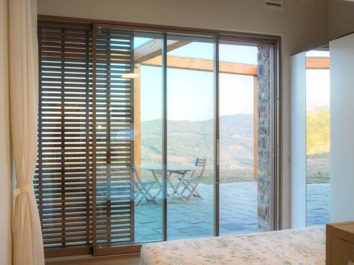 Lift and slide open bedroom with Skyline Handle