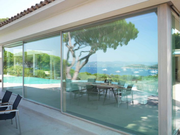 Lift and slide with three closed doors of Villa Saint Tropez