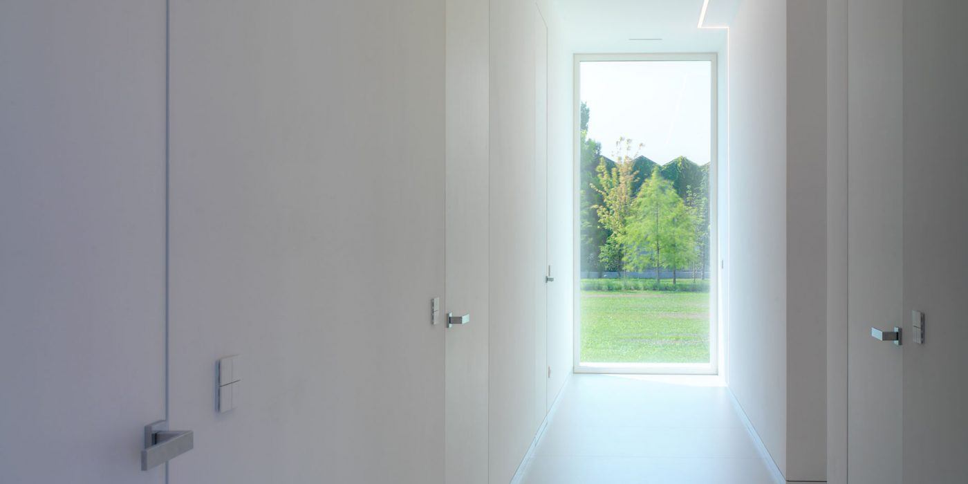 View of the corridor of Villa Verona with fixed skyline in the background